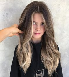 Lovely balayage for November - LadyStyle : Lovely balayage for November - LadyStyle Cabelo Ombre Hair, Hair Color Balayage, Brown Hair With Blonde Balayage, Ombre Bayalage, Fall Balayage, Subtle Balayage, Bronde Balayage, Baylage, Blonde Ombre