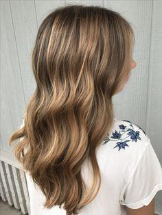 Balayage #hairbyashleytaylor #balayage #highlights #naturalcolor #color #fallhair #healthyhair