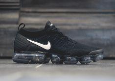 Nike Vapormax Flyknit 2.0 Black/White 942842-001 Release Info #thatdope #sneakers #luxury #dope #fashion #trending Nike Air Vapormax, Mens Trainers, Sneakers Nike