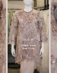 Kebaya Modern Dress, Kebaya Dress, Indonesian Kebaya, Kebaya Brokat, Batik Kebaya, Dress Hairstyles, Postcard Design, Crochet Poncho, Indian Designer Wear