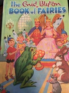 A comedy of music, spells and fairyland as you have never seen it before. Enid Blyton Books, Little Golden Books, Vintage Children's Books, Vintage Stuff, Children's Book Illustration, Book Illustrations, Children's Literature, I Love Books, Book Worms