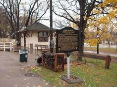 Como–Harriet Streetcar Line and Marker Photo, Click for full size