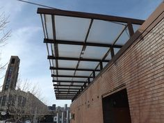 detail overhanging roof