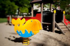 Kolorowy kiwak dla dzieci na plac zabaw. ww.larslaj.pl #playgrounds #color
