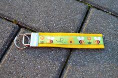 """Schlüsselband """"Bienchen"""" von FrauGrasWieHeu13 auf DaWanda.com"""