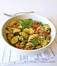 Insalata di pasta con verdure grigliate