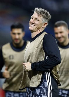 Discovered by Camila Martins. Find images and videos about football, bastian schweinsteiger and die mannschaft on We Heart It - the app to get lost in what you love. German National Team, Dfb Team, Bastian Schweinsteiger, Uefa Euro 2016, Football Is Life, Cute Boys, Hot Guys, Soccer, Hipster