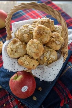 The Best Italian Cookie - Useful Articles Italian Cookie Recipes, Best Italian Recipes, Italian Cookies, Apple Recipes, Sweet Recipes, Biscotti Cookies, Apple Cookies, Biscuits, Italian Dishes
