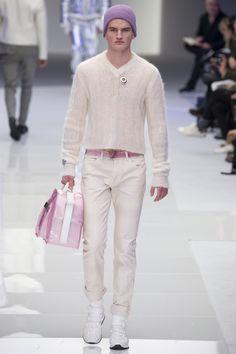 Versace Fall 2016 Menswear Fashion Show