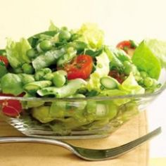 Green Salad with Asparagus and Peas Servings: 8 Calories: 98