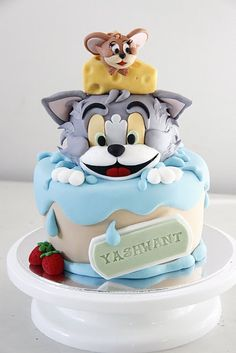bake-a-boo: Tom and Jerry birthday cake and Simple chocolate spring cupcakes just because i loved tom and jerry. Bolo Tom E Jerry, Tom And Jerry Cake, Tom Et Jerry, Cute Cakes, Pretty Cakes, Beautiful Cakes, Amazing Cakes, Fancy Cakes, Unique Cakes