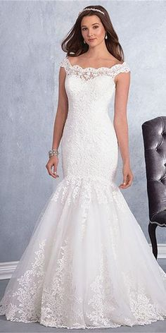 Wedding Dress Lace, Elegant Tulle Scoop Neckline Mermaid Wedding Dress With Lace Appliques & Beadings Unique and inexpensive wedding gowns that wow! Shop our wedding dresses online and in-store for top styles and trendy bridal looks. Scoop Wedding Dress, White Wedding Dresses, Boho Wedding Dress, Wedding Dress Styles, Mermaid Wedding, Bridal Gowns, Wedding Gowns, Wedding Bells, Alfred Angelo Bridal
