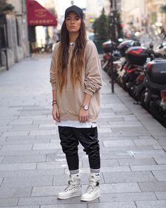 Lesbian Outfits, Tomboy Outfits, Cute Casual Outfits, Chic Outfits, Girl Outfits, Fashion Outfits, Androgynous Fashion, Tomboy Fashion, Suit Fashion