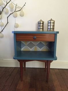 petit chevet grande classe upcycled furniture pinterest diy furniture upcycled. Black Bedroom Furniture Sets. Home Design Ideas