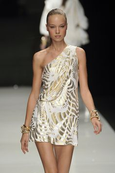 Angelo Marani at Milan Fashion Week Spring 2010 - StyleBistro