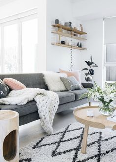 It's very easy to recognize a Scandinavian living room design and decoration. But there isn't just one Scandinavian style but several and they all have certain elements in common. Home Living Room, Apartment Living, Living Room Designs, Living Room Decor, Scandi Living Room, Living Area, Cozy Apartment, Apartment Design, Scandinavian Living Rooms