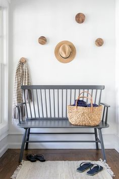 East Hampton-inspired entryway by designers Chango & Co. (via The Inspired Room).