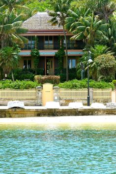 Another great house on the beach.       beachcomber: harbour cruising