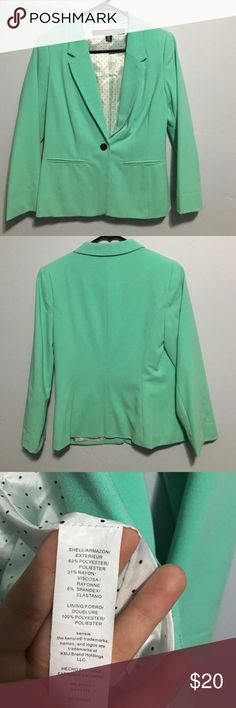 EUC Kenzie Small mint green blazer. 3/4 sleeve EUC Kenzie size Small mint green blazer. Polka dot lining. Can fold sleeves to show lining. Kensie Jackets & Coats Blazers
