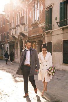 winter wedding in Venice http://www.photographervenice.com/wedding/elopement