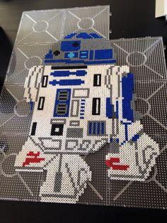 R2D2 Star Wars hama perler beads by Malue Lindgreen