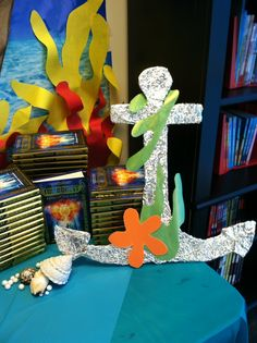 Book Fair Under the Sea - Spring 2015 Vbs Themes, Party Themes, Reading Fair, Fairy Tale Crafts, Preschool Classroom Decor, Fair Theme, Spring Books, Under The Sea Theme, Vbs Crafts