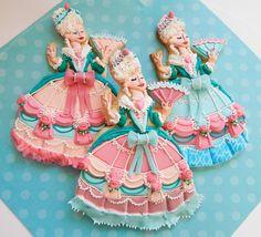Marie Antoinette Royal Icing Dress Cookies            http://www.facebook.com/Sugarrushcustomcookies