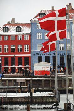 Dannebrog and a 'Pølsevogn' , Copenhagen, Denmark