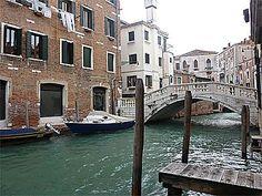Du linge au balcon Le Palais, Toscana, Travel Photography, Photos, Places, Nature, Universe, Drink, Venice