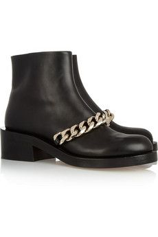 Yes please, these Givenchy boots will do nicely! #fbloggers #fashion #givenchy