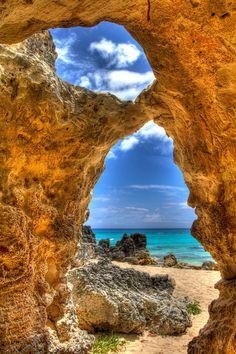 Church Bay Cave, Bermuda