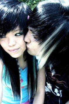 Yes.. the same, but are cute :3  Fidde with her..