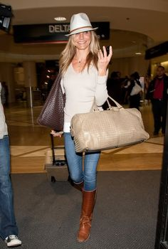 Cameron Diaz Photos - Cameron Diaz arrives at LAX (Los Angeles International Airport) on St. - Cameron Diaz at LAX Boots Marron, Cameron Diaz Style, Celebrity Airport Style, Frye Riding Boots, Travel Chic, Travel Style, Travel Wear, Cute Fashion, Womens Fashion