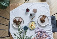 Vegan carob pancakes, prefect for breakfast, easy to prepare. Pancakes, Vegetarian, Vegan, Breakfast, Easy, Apple, Morning Coffee, Pancake, Vegans