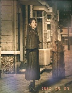 """The producers of tvN's """"Hotel Del Luna"""" recently surprised viewers with multiple photos of IU 's character, Jang Man Wol during different time periods. Iu Chat Shire, Iu Twitter, Luna Fashion, Mode Kawaii, Sulli, Moon Lovers, Drama Film, Girl Photo Poses, Korean Actresses"""