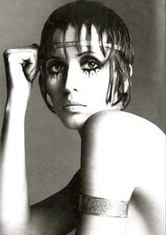 Julie Driscoll, photograph by Richard Avedon for Vogue 1969. repinned by www.lecastingparisien.com