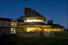 Queen Wilhemina State Park in Arkansas. This is the lodge on top of the mountain! Beautiful Homes, Beautiful Places, Beautiful Pictures, Mena Arkansas, Places Ive Been, Places To Go, Queen Wilhelmina, Park Lodge, Hot Springs