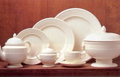 Wedgwood Edme. So beautiful. Chip got me eight 5-piece place settings a few years back. The teacups are my favorite. I'd love some serving pieces.