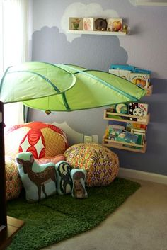 reading nook! ikea leaves! a place to put all the pillows i can't put in the crib! I LOVE IT. #Ikeakidsroom