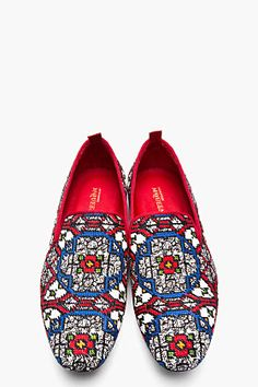ALEXANDER MCQUEEN // Red Woven Stained Glass Loafers Low top textile loafers in white with woven stained glass pattern throughout in blue, red, green, orange and black. Best Shoes For Men, Men S Shoes, Dandy, Gentleman Shoes, Alexander Mcqueen Shoes, Fashion Shoes, Mens Fashion, Men Online, Hipsters