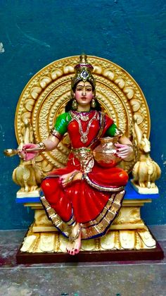 Saraswati Statue, Saraswati Goddess, Durga Maa, Durga Painting, Lord Shiva Painting, Kali Hindu, Hindu Art, Ganpati Bappa Wallpapers, Wedding Doll