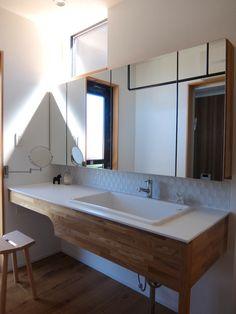 オープンハウス – Andy hat – - 名古屋市の住宅設計事務所 フィールド平野一級建築士事務所 Bathroom Renos, Washroom, Foyer Design, House Design, Japan Interior, Modern Toilet, Natural Interior, Toilet Design, Japanese House