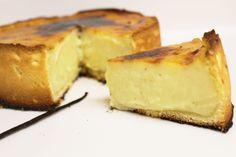 Vanilla French Custard Pie (Flan Parisien) - Just One More Cake Vanilla Flan Cake Recipe, French Flan Recipe, Vanilla Custard, Desserts Français, Famous Desserts, French Desserts, Dessert Recipes, French Recipes, Desert Recipes