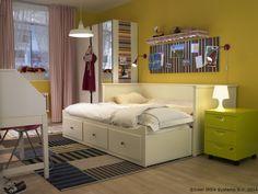 Divanul HEMNES are super-puteri. Seara se transformă într-un pat dublu, iar dimineața devine canapea. www.IKEA.ro/divan_HEMNES