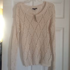 American Eagle Sweater Brand new w tags. Super cute sweater. Would be cute as a layering piece or as a cover up American Eagle Outfitters Sweaters Crew & Scoop Necks