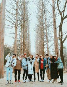 aaaaaaaa, i am soso thankful for stan stray kids, they are so wonderful n' dedicated. K Pop, Lee Min Ho, Mixtape, Nct, Kids Icon, Kids Wallpaper, Lee Know, K Idols, South Korean Boy Band