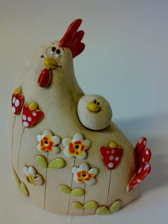 Chicken flower with chicken / Seller& goods Jakča and Ufola - Hen flower with chick Cheerful hen 9 x 15 cm - Ceramic Rooster, Ceramic Animals, Ceramic Clay, Ceramic Pottery, Ceramic Chicken, Chicken Art, Arts And Crafts Box, Diy And Crafts, Diy Clay
