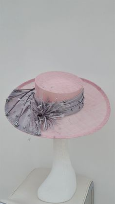 Stunning pink and silver, pearl beaded hat. Mother of the Bride Hatinator. Millinery Hats, Fascinator Hats, Fascinators, Cream Fascinator, Headpieces, Royal Ascot Hats, Occasion Hats, Kentucky Derby Hats, Wedding Hats