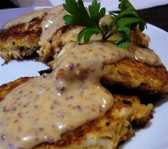 Seafood Cakes With Remoulade Sauce - Special thanks to George Panayiotou, Culinary Chef for Cooper Restaurants (Ruth's Chris, Felix's Fish Camp Grill, and the Blue Gill) for providing these delicious recipes. Copycat Recipes, Fish Recipes, Meat Recipes, Seafood Recipes, Cooking Recipes, Cooking Tips, Healthy Recipes, Grilled Seafood, Gastronomia