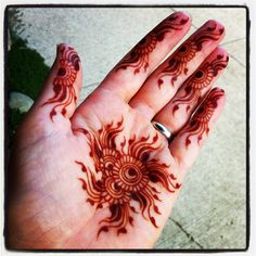 design by Dreaming in Henna  www.dreaminginhenna.com